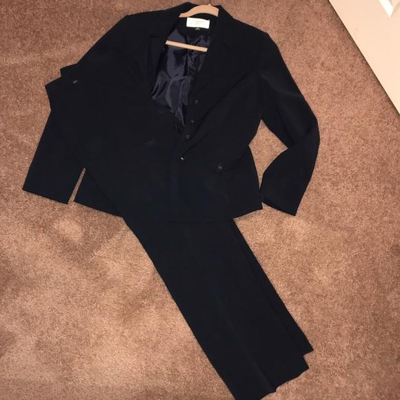 Tahari Jackets & Blazers - 2-Piece Tahari ASL Suit Jacket and Pants